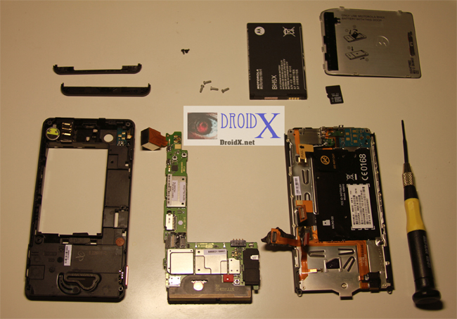 Motorola Droid X Gets Taken Apart