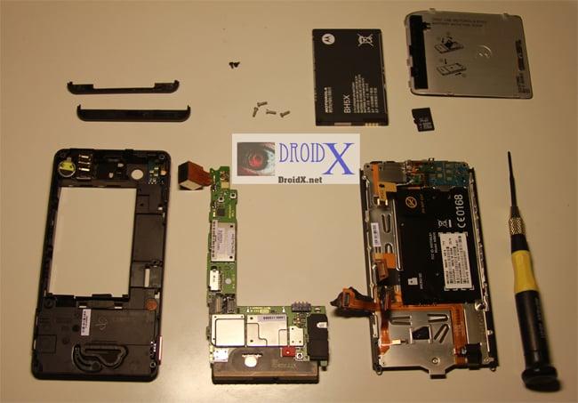 Motorola Droid X Gets Taken Apart