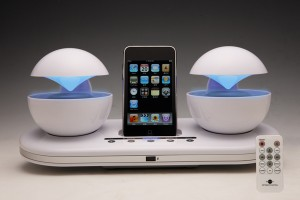 Speakal iCrystal iPhone/iPod Dock Launches