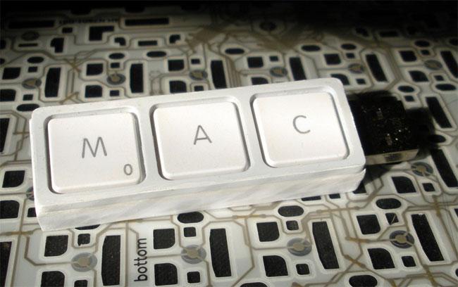 Recycled MacBook Keys USB Drive