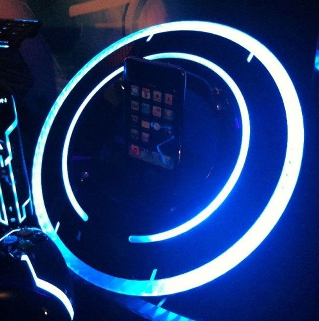 Tron Legacy iPod Dock
