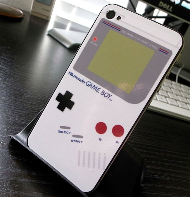 iBoy iPhone 4 Game Boy Skin