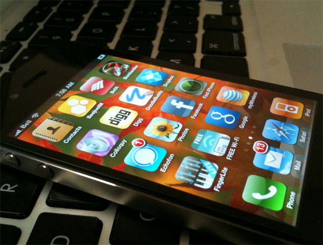 iPhone 4 Carrier Unlock Completed, Not Released Just Yet