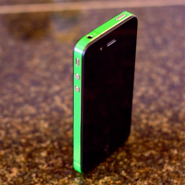 iPhone 4 Decal Wraps, Designed To Solve Your iPhone 4 Reception Issues