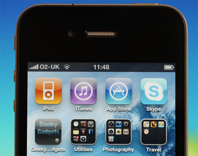 Apple Offers A Free Case For iPhone 4 Owners, Full Refund If Your Are Not Happy