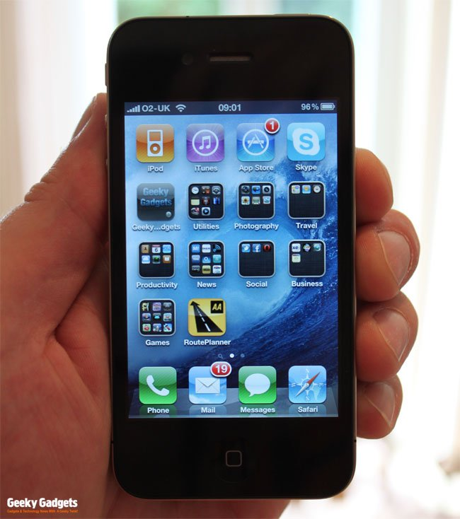 Apple iPhone 4 Review