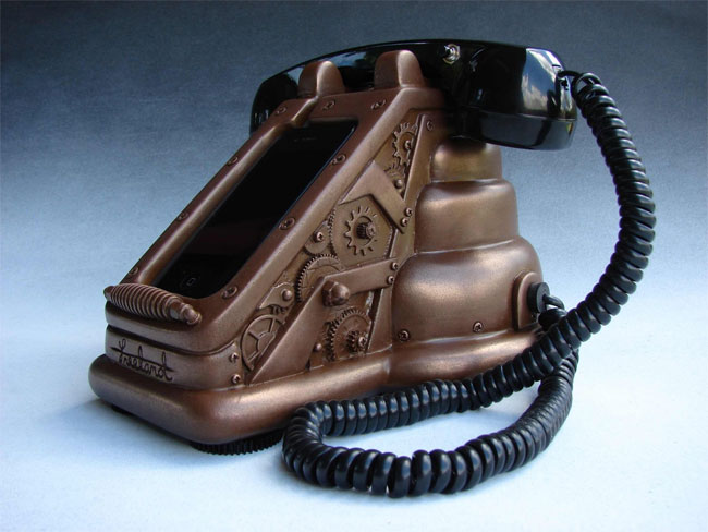 iRetrofone Steampunk Copper iPhone 4 Dock