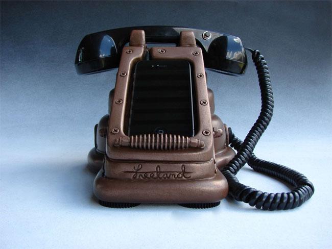 iRetrofone Steampunk Copper iPhone 4 Dock