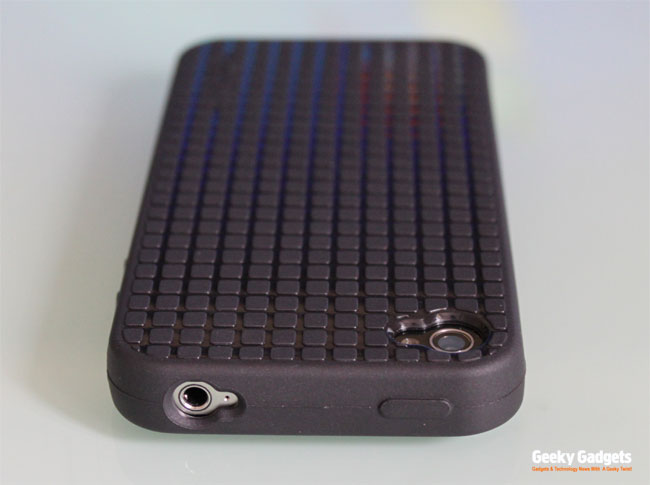 Speck PixelSkin HD iPhone 4 Case Review