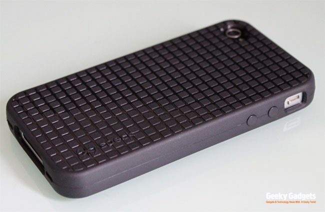 Speck PixelSkin HD iPhone 4 Case Review