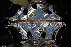 Glass Bottomed Balloon Not For The Faint Hearted (video)