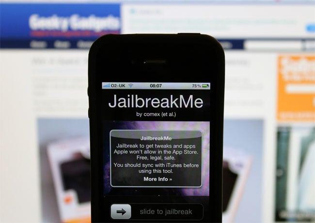 Apple Investigating iPhone 4 Jailbreak Exploits