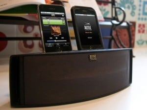 Altec Lansing Octiv Duo Dual iPhone And iPod Dock