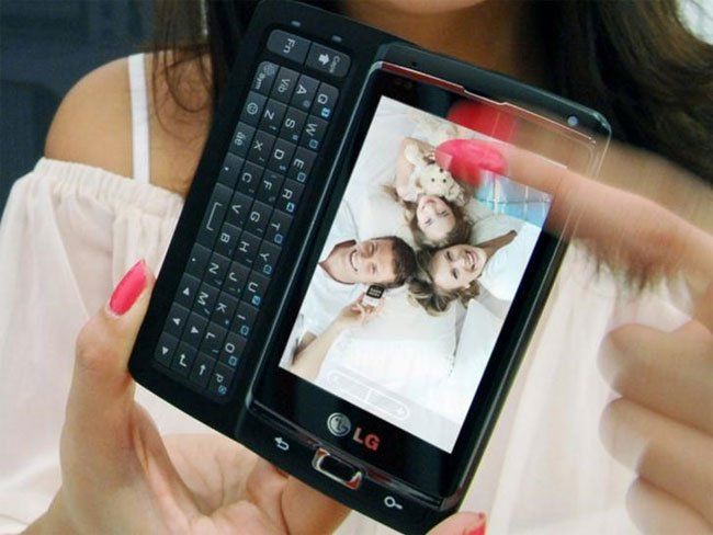 LG Optimus 7 Windows Phone 7 Smartphone Shown Off At IFA