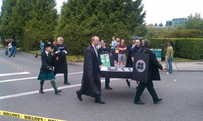 Microsoft-iPhone-Funeral