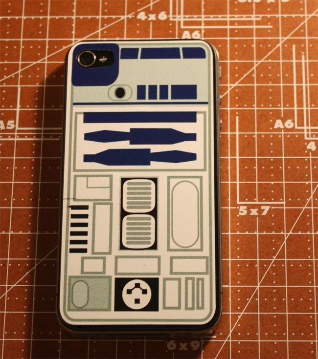 Awesome R2-D2 iPhone 4 Decal
