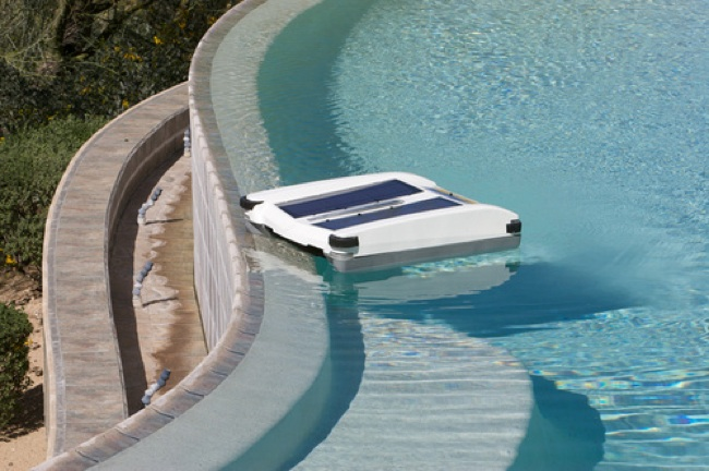 Solar-Breeze Pool Cleaner