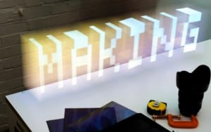 Extruded Light 3D Holograms Created With iPad (video)