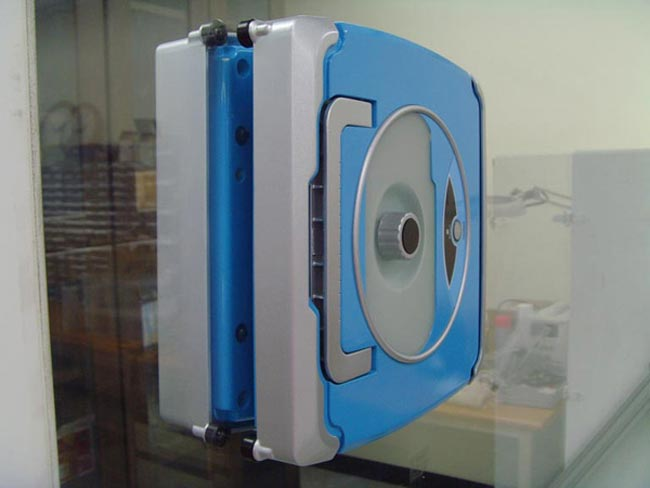Windoro The Window Cleaning Robot