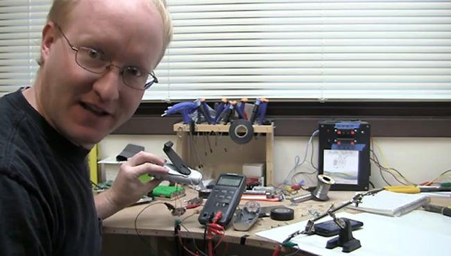 DIY Hand Crank Smartphone Charger