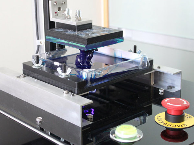 DIY High Resolution DLP 3D Printer