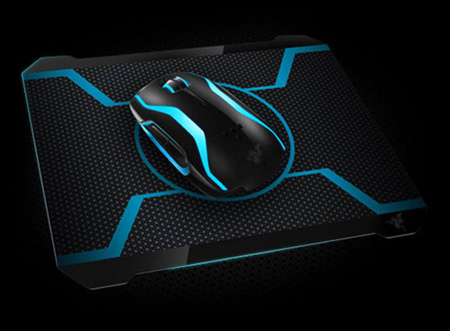 Razer Tron Legacy Mouse And Mouse Pad