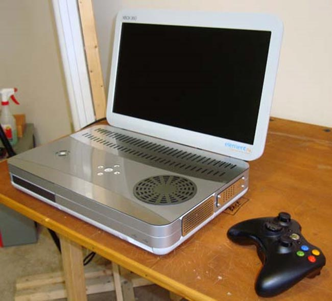 Xbox 360 Slim Portable By Ben Heck