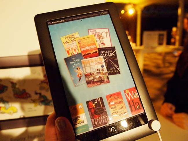 Barnes And Noble Nook Color Gets Official