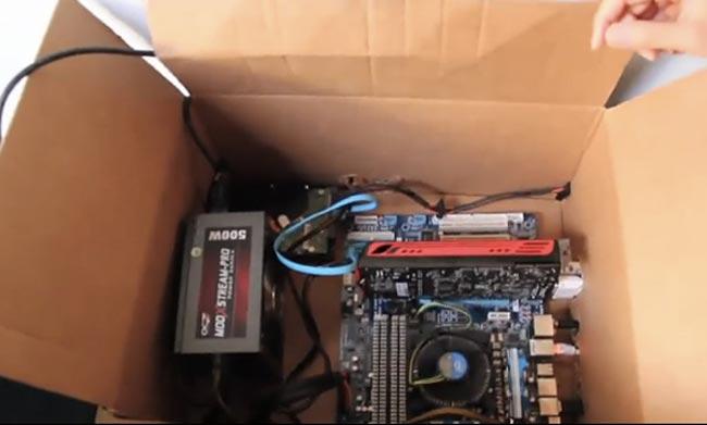 hackintosh-in-a-cardboard-box.jpg