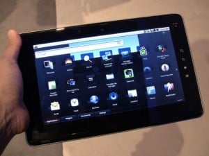 Toshiba Folio 100 Android Tablet Preview (Video)