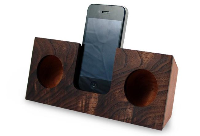 Koostik Wooden iPod Dock