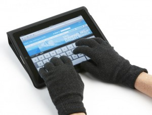 Agloves Let You Keep Toasty Fingers and Work Your iPad