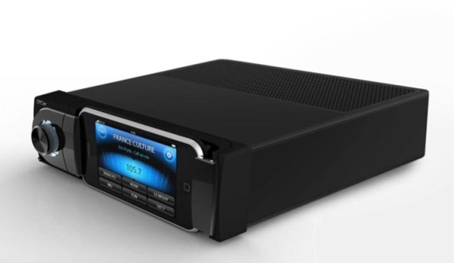 Oxygen Audio Car Stereo Integrates Your iPhone