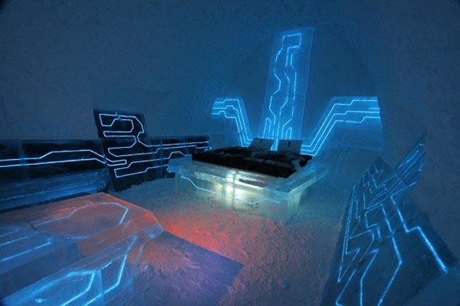 Ice Hotel Creates Tron Legacy Suite