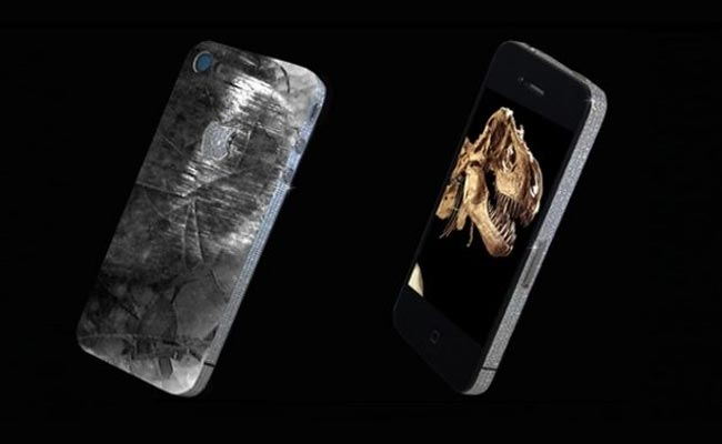 Custom iPhone 4 Features Dinosaur Tooth