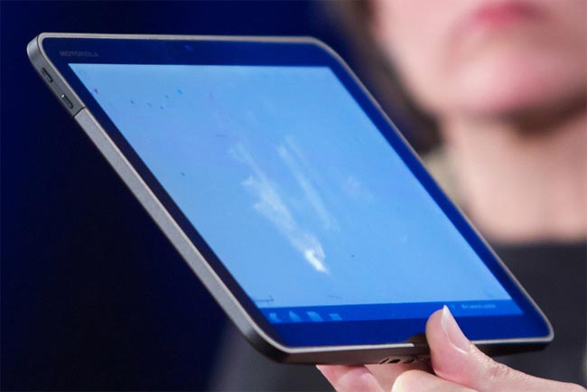Motorola Teases Android 3.0 Honeycomb Tablet (Video)
