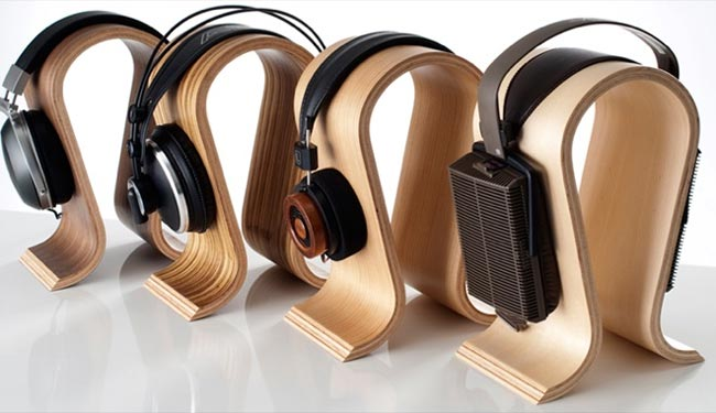 omega headphone stand