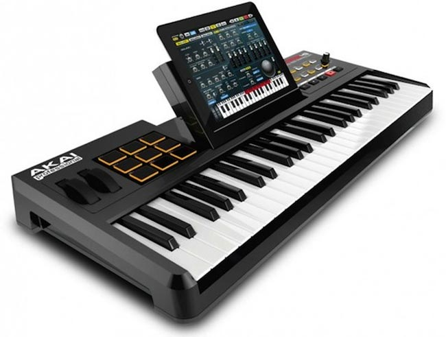 Akai SynthStation49 iPad Dock