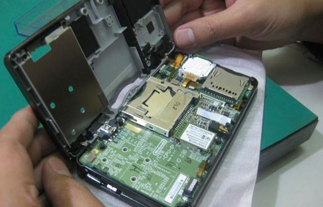 Nintendo 3DS Disassembled