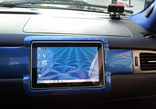 HP Slate Gets Installed In A Vehicle Dash