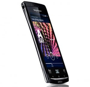 Sony Ericsson Xpera Arc Gets Shown Off (Video)
