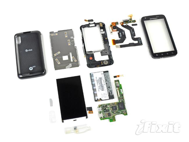 Motorola Atrix 4G Gets Taken Apart
