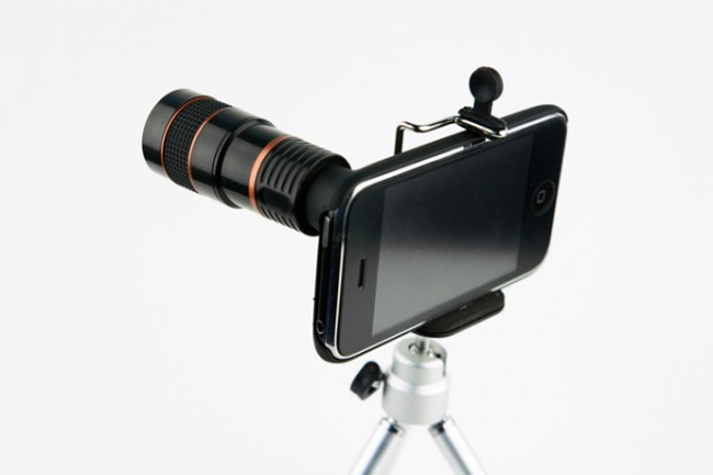 Photojojo-iPhone-Telephoto-8X-Lens