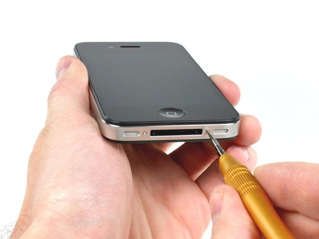 Verizon iPhone 4 Gets Taken Apart