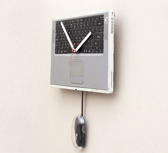 Recycled Apple Powerbook Clock