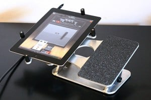 IIXX iWah iPad 2 Stands For Guitarists and Musicians