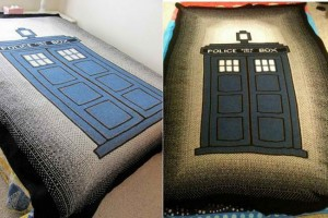 TARDIS Blanket Wraps You In Dr. Who