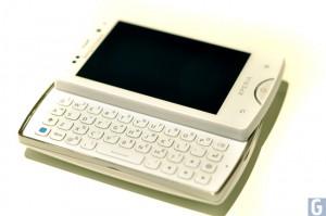 Sony Ericsson Xperia Mini Pro Hands On