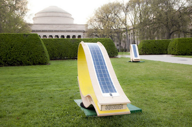 soft rocker the solar powered lounge chair