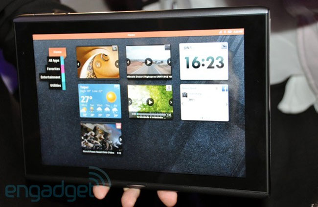 Acer Iconia M500 MeeGo Tablet